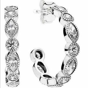 Pandora Alluring Brilliant hoop earrings